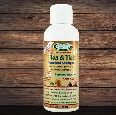 Organic Flea and Tick Repellent Shampoo 4oz Formulated for Cats and Small Animals
